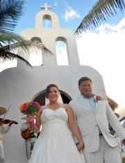 Playa del Secreto Perfect location for a Private Mexico Beach Wedding.