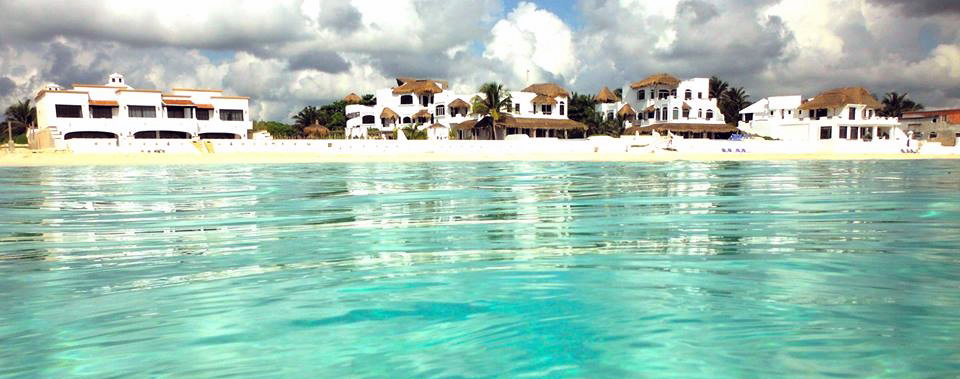 The villas near Playa Del Carmen are near many golf courses - book your tee time here.