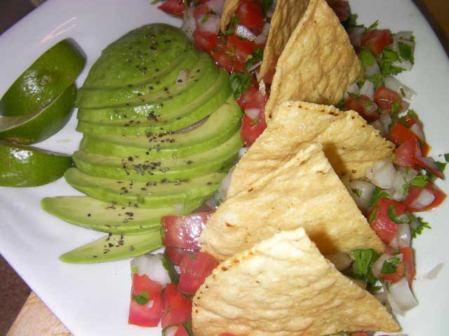 Guacamole, Pico de Gallo and Chips